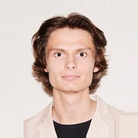 Управляющий коммерческой недвижимостью Роберт Киселев
